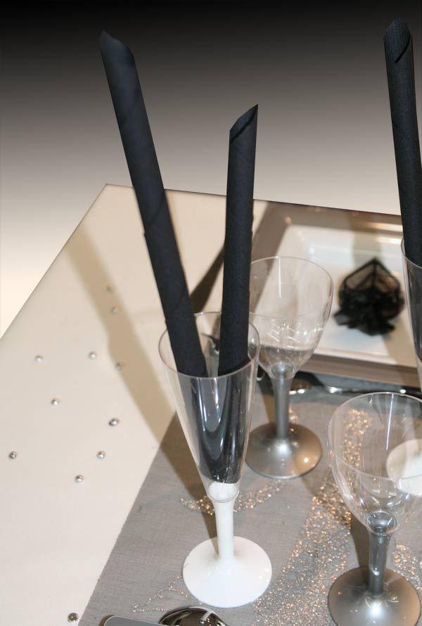 Vaisselle jetable 10 fl tes champagne pied couleur blanc for Pliage serviette pour verre